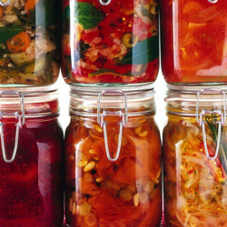 Immagine - Vasi di conserve alimentari