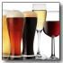 immagine di bicchieri pieni di birra e superalcolici