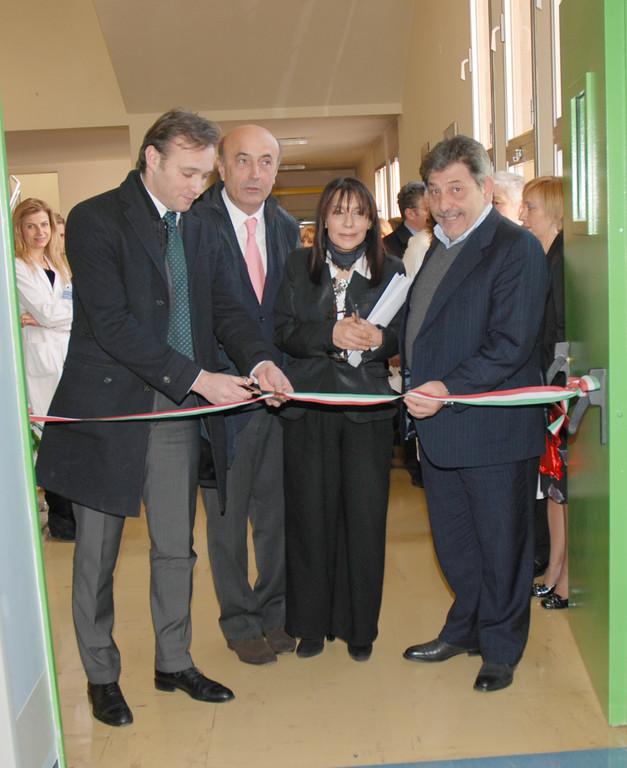 Ausl modena inaugurazione nuove degenze di medicina e for Finanziamento della costruzione di nuove case