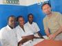 Paolo Lanzoni e alcuni colleghi medici in Africa