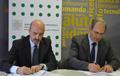 Massimo Annicchiarico e Luigi Munari firmano l'accordo
